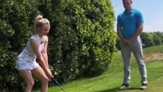 Lucy Robson, la golfista viral, apuesta fuerte con sus últimos trucos