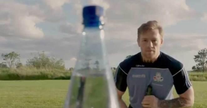 El nuevo reto viral de internet — Bottle Cap Challenge