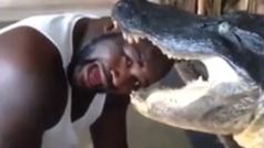 Shaquille grita aterrorizado en su lucha contra un cocodrilo jugándose la cabeza