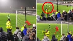 El penalti peor lanzado de la historia de la FA Cup: y el ridículo acaba en baile...