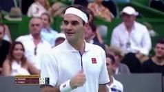 La 'sesión de fotos' de Federer para un aficionado... ¡durante un partido contra Zverev!