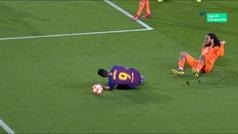 Gol de Messi (p.) (1-0) en el Barcelona 5-1 Lyon