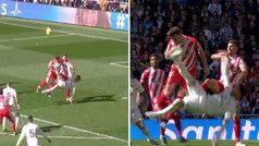 Sergio Ramos, expulsado por doble amarilla ante el Girona... ¡por intentar una chilena!