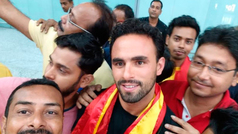 Enrique Esqueda tiene una cálida bienvenida en la India