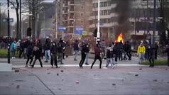 Protestas violentas en Países Bajos contra el toque de queda