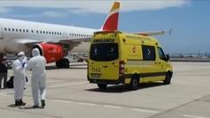 Reciben con EPI en el aeropuerto de Lanzarote a un pasajero positivo por coronavirus