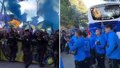 Los jugadores de Boca aplaudieron a los hinchas en el 'banderazo' a la puerta de su hotel