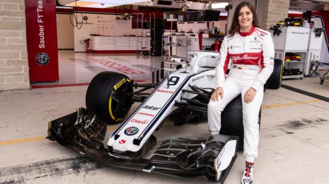 Tatiana Calderon, primera latina en manejar un monoplaza de F1