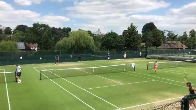 Wimbledon: Maria Sharapova sigue sin ver la luz en la 'Catedral'