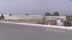 Sin lugar para fosas: pandemia fuerza ampliar cementerio en centro de México