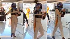 El tremendo cabreo de Alonso al llegar al box: ¡tiró lo guantes desesperado!
