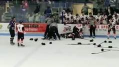 Violenta batalla campal con una pelea entre porteros como colofón final