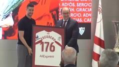 Sergio Escudero se despide del Sevilla