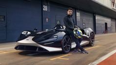 Lando Norris, a tope con el McLaren Elva