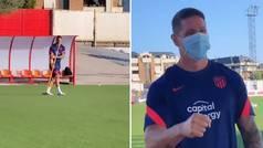 El primer día de Torres como entrenador del Juvenil A del Atlético: su sonrisa...