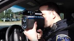El vídeo viral para evitar el radar móvil de la Policía... publicado por la propia Policía