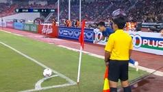 Espectacular gol olímpico en el Tailiandia-Indonesia