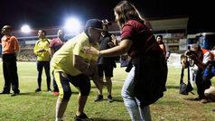 Maradona baila y disfruta de su momento con los Dorados de Sinaloa