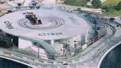 Coulthard derrapa su F1 en la azotea de un rascacielos de 213 metros... ¿y si se sale?