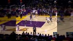 La asistencia imposible de LeBron James: de espaldas, sin mirar y en el aire