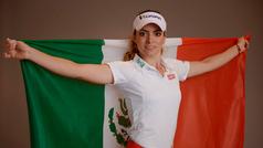 La golfista mexicana Gaby López hace hoyo en uno en el Blue Bay LPGA