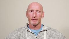 La leyenda del rugby Gareth Thomas graba en un vídeo que tiene SIDA