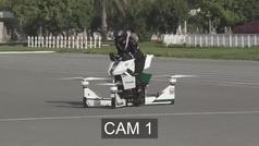 Una moto voladora se estrella desde 30 metros de altura