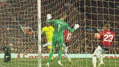 Gol de Luke Shaw (0-1) en el Manchester United 0-1 Barcelona