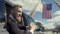 Conor McGregor celebra el Día de San Patricio recorriendo las calles de Boston