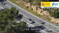 Así cazan los drones y helicópteros de la DGT las infracciones de motoristas