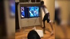 La loca apuesta en el Warriors-Raptors: se carga dos televisiones, pega a un amigo...
