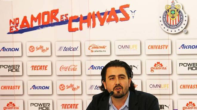 Alanís ya le dio las gracias a Chivas para quedarse en Europa