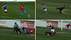 La jugada que no verás en el FIFA: mal control, peor cesión, despeje al aire, caño... y penalti