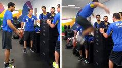 El viral salto de un atleta paralímpico ciego: ¡salta 1,50 metros y se mantiene en pie!