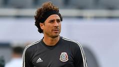 Guillermo Ochoa podría tener un reemplazo en el Standard