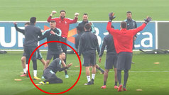 El 'toreo' a Cristiano en el rondo de la Juventus