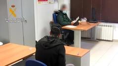 Detenido por incumplir de forma reiterada la orden de confinamiento y robar