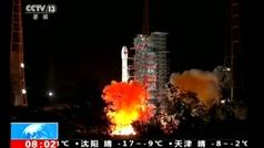 China lanza con éxito una sonda para explorar la cara oculta de la Luna
