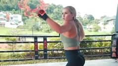 Puñetazos de fuego y vuelos de Matrix de Kinsey Wolanski como luchadora de MMA