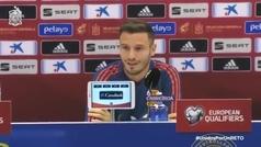 """Saúl: """"Es una maravilla jugar al lado de Busquets, el 90 o 100% de sus decisiones son correctas"""""""