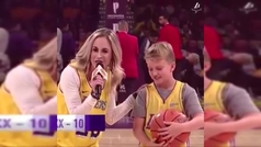 ¡De locos!Un niño de 10 años llama a las puertas de los Lakers con una exhibición infalible de tiro