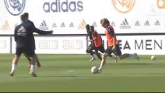 Último entrenamiento del Real Madrid antes de viajar a Kiev: Hazard pisa el césped...
