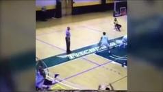 Brutal puñetazo en un partido de basket en Estados Unidos