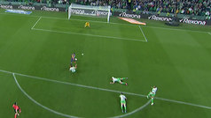 Gol de Luis Suárez (0-3) en el Betis 1-4 Barcelona