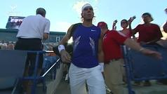 Nadal recibe el Trofeo 1X10 como homenaje por sus 10 años como número 1