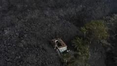 Cuatro de las nueve bocas del volcán están activas arrojando lava con furia