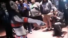 El wrestling cruza el límite: una luchadora se quita el tampón y ataca a su rival