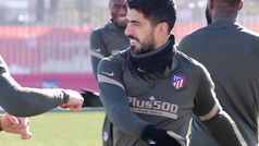 El Atlético prepara el partido ante el Eibar sin Trippier... por unas molestias