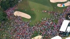 Espectacular invasión de campo estilo 'Jumanji' para ver a ganar a Tiger Woods