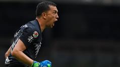 Agustín Marchesín anota un golazo en el entrenamiento del América